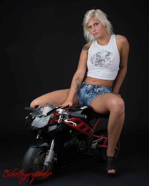 Pocketbike-woman_2